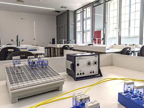 Chemistry Lab 2 American University of Malta AUM